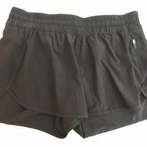 "LULULEMON black HOTTY TOTTY 4"" shorts Women's 12"